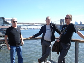 Foghorn synger shanties ut mot Hudson River