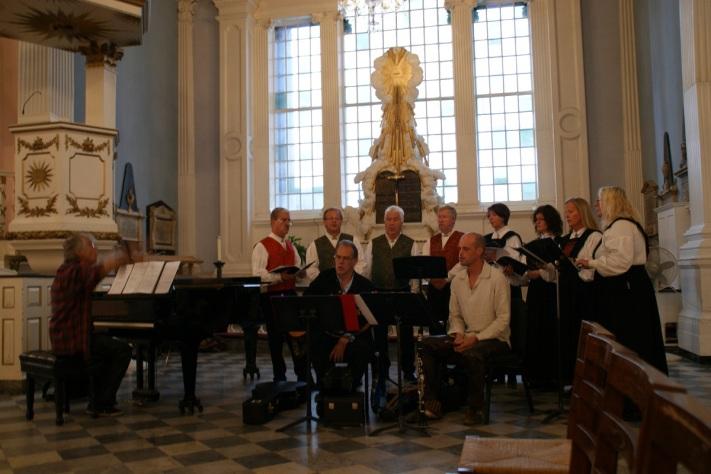 KorLUREN og musikere i St.Mary's chapel.